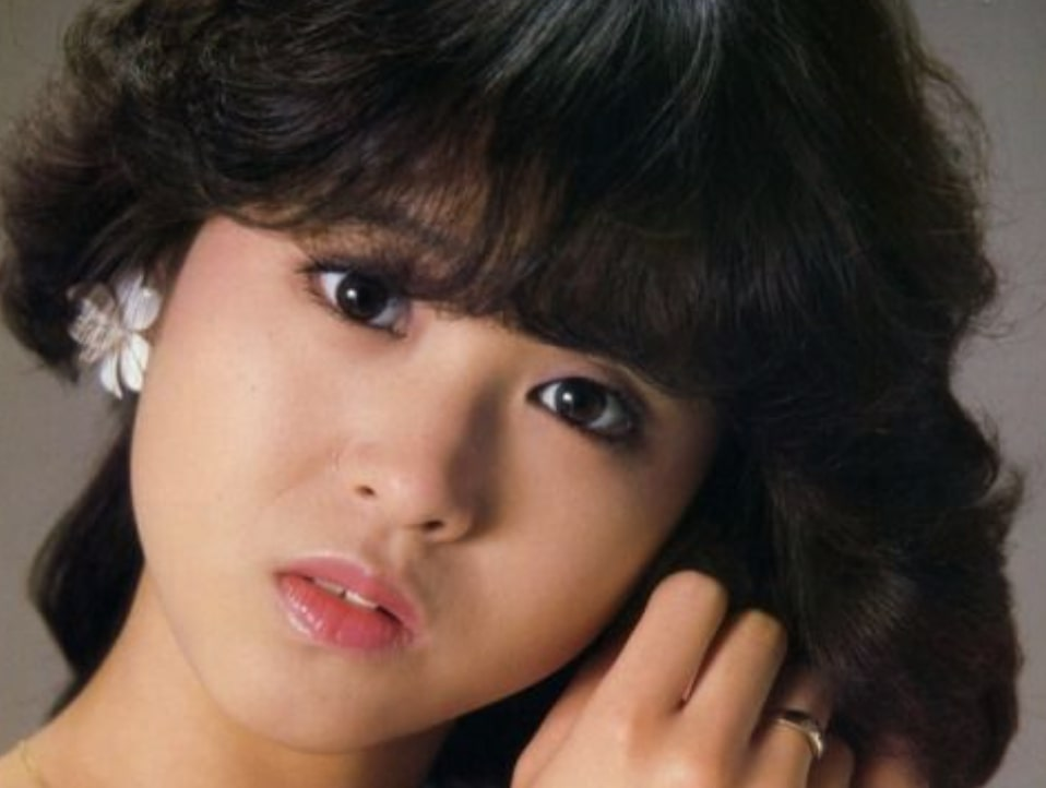 松田聖子はおでこ広すぎで不自然で出す理由は?